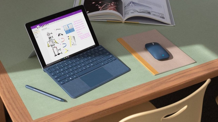 Microsoft, вероятно, увеличит экран в Surface Go 2